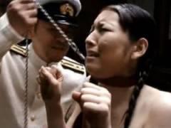 軍人によって家畜のように扱われ性奴隷となった女たちのご奉仕フェラ