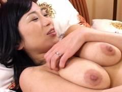 北原夏美、Gカップ爆乳熟女が息子の友達と中出しセックス!