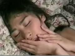 【昭和ロマン】絆創膏をマンコに貼って挿入を防ぐお姉さん、結局剥がされ入れられて、ぶっかけ精液美味しそうに舐める