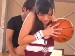 【桐谷まつり】「チ●ポ挿入ったくらいで体勢崩すようじゃ一流になれんぞっ!」巨乳バスケ女子がコーチの猛特訓