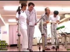 小川桃果 担当ナースは長い勤務時間とストレスで刺激を求めていた。久々に現れた