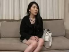 街角インタビューで釣られた奥様!寝取られて膣内射精現場をハメ撮りの餌食にwww