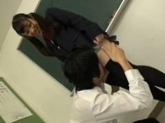 【栄川乃亜】絶対領域フェチ男子に自らの太腿を差し出して立ち太腿コキさせてあげる女子校生