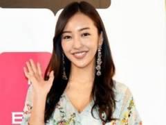 """元AKB48""""板野友美""""似のAV女優がこちらです"""