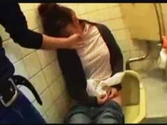 【泥酔+トイレセックス+盗撮】K兄弟からの投稿 実録!居酒屋トイレで泥●している女は必ず射てる! 金なしコネなし不細工な俺らがヤッた記録。居酒屋の便所で寝ていた女とトイレセックスしました。