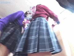 どこぞの高校文化祭に潜入して「JK」のミニスカ生パンツを逆さ撮り放題してる悪質な映像入手!