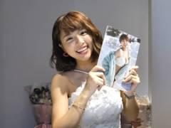 台湾の乳揺れチアリーダー峮峮(チュンチュン)が写真集を発売して日本語でのコメント動画をupした件
