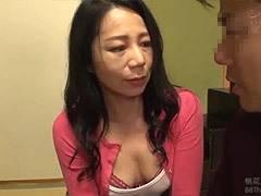 二ノ宮慶子 五十路の熟した色香を放つ母親に彼氏を中出し性交で寝取られた娘!