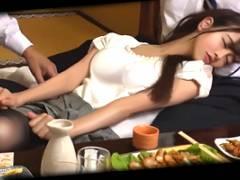 【レイプ】同窓会で酔い潰した新婚の元クラスメイトを寝取る!