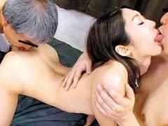 【香苗レノン】 臭いチンポが好きだというスケベ若妻の不倫3Pセックス 【tube8】