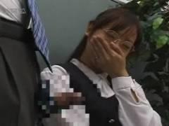 【素人】初めてのセンズリ鑑賞!メガネの熟女OLの場合・・・♪
