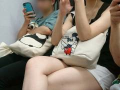 電車の中で見かけた絶品太もも集 隠し撮りしてでもずっと見ていたいレベルで興奮するわwwww