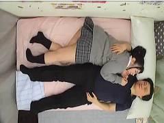 【JKリフレ】とても生々しいムチムチした生足のアウロリJKと添い寝です!もう発情が止まりません!