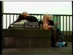 【青姦】酒に酔ったバカップル!屋上でクンニしてます。