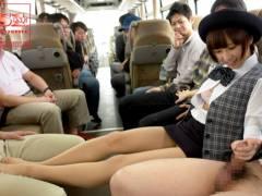 人気女優さんがファンと行く温泉ツアーのバスでえっちなゲームしちゃう///【きみの歩美】