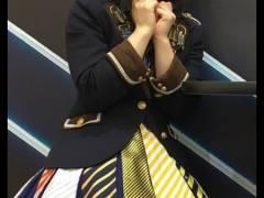 【過激画像】HKT秋吉優花ちゃんの太ももがエロいwwwww