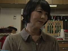 円城ひとみ オナニーでは満たされない巨乳の未亡人が義父に肉体関係を迫られて性交!