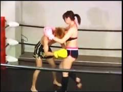 【M格闘+リョナ+女子キックボクシング】これは危険な女子キックボクシングの現役選手!ボインで美人なのに一方的に暴行します【女子ボクシング】