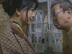 浅井舞香 中年夫婦が農作業の休憩中に性交渉に励み身体を仰け反らして悶える美乳妻
