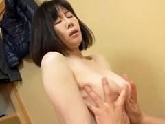 安アパートで一人暮らしの息子をカラダで癒やす母親! 竹内梨恵 柏木舞子