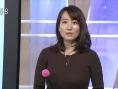 お天気キャスター吉井明子さん、ニットでもブラウスでもエロすぎる横乳。