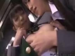 【レズh動画】女子校生のレズビアンカップルがムラムラして本屋でこっそりエッチを初めちゃうww