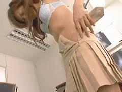 三浦亜沙妃 美人女医をナイフで脅し脱衣させる!全裸でオナニーさせられそのままレイプ!