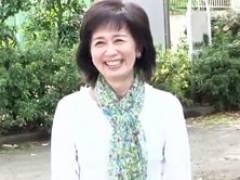 【初撮り熟女】六十路の高齢熟女がアソコぐちゅぐちゅに濡らしてオナニー 大竹かずよ