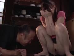本田岬 公衆の面前、恥態を晒してしまった人妻がやがて見られる快感に目覚めていく…