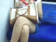 ずっと見ていたかったから…つい…wwww電車の中で見つけた思わず目が離さなくなってしまった生脚コレクション