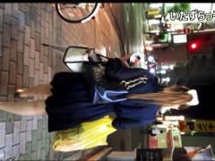 【パンチラ+盗撮+個人撮影】いたずらっ子し隊!繁華街でキャバ嬢をスカートめくりしたらTバックでした。