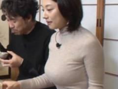 小池栄子(39)、巨乳おっぱい飛び出し!!乳首透け、水着画像がエロすぎ!!【画像107枚】