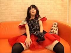 桜木優希音 マイクを握って興奮する美少女の催眠ビデオでエスカレートする性欲のインディーズミュージシャン
