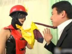 朝倉ことみ セクハラM男上司に小便を飲ませて懲らしめる痴女小便ヒロイン