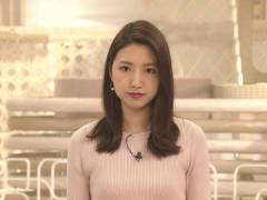 三田友梨佳アナ、新妻のピンクニットおっぱい。