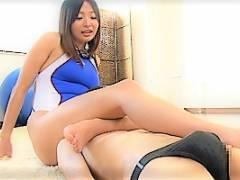 山本美和子 美人コーチのパーフェクトボディのやらしさに手コキ・パイズリで何度も射精させられて窒息寸前