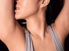 【葉加瀬マイの巨乳おっぱいの手ブラセミヌードが卑猥】エロ画像34枚