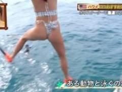「世界さまぁ~リゾート」サーファー美女(21)、やりすぎハミマン、Tバック水着激エロ!!