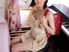【エロ画像】ランドセルを背負う卑猥なミニマム女子を見てどう思う??(37枚)
