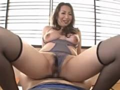 青山葵 妖艶な色気の熟女が息子の家庭教師を誘惑してセックスする主観動画
