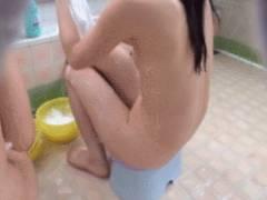 【銭湯】田舎だと男湯に普通に入ってくる女の子…盗撮したらイカンやろwwwwww(エロGIF)