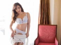 清城ゆき 青山はな 美しい色白肌の美女達!エロボディを包むランジェリー姿で濃厚セックス!