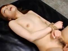 【動画】ドMな巨乳お姉さんの桃瀬えみるが手首を縛られ強制中出しFack