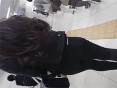 Pラインの透けやパンチラなど街で無防備になってる女さんの下半身を隠し撮りしてる画像まとめ!