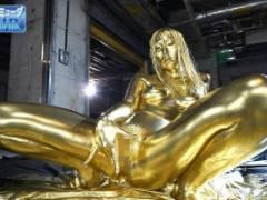 【VR】波多野結衣 美巨乳おっぱいのお姉さんが全身に金粉を塗りつける!ゴールドボディでオナニー開始