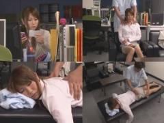 深夜の残業で一人オフィスに残った美人OLが疲れを癒やす出張マッサージにウトウトしていると・・・