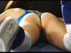 【女子プロレス+リョナ+キャットファイト】これは危険なミックスファイトの試合!美人女子プロレスラーが試合中に滑ってチンチンが入ってしまいました【ミックスファイト+暴力的+残酷描写】