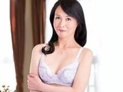 【初撮り熟女】清楚な五十路妻が濃厚中出しセックスでのイキッぷりがヤバイ! 大石澪