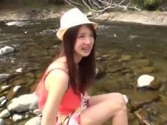 キャンプ場ナンパ!1人で寂しそうな人見知り女子大生を河原で全裸にして解放感満喫青姦