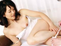 竹宮かほり 五十路すぎの熟女妻が旦那じゃ満足出来なくなって性欲満たすためにAVデビュー!
